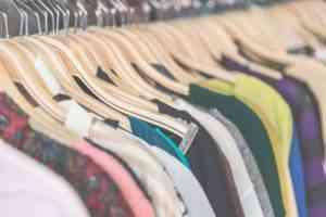 Какой код ОКВЭД выбрать на розничную торговлю одеждой